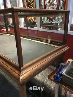 Antique Columbus Oak Display Case, Deco Retail Store Display Case early1900'sc