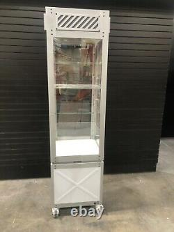 OAKLEY Sunglass Vault Store Display Case