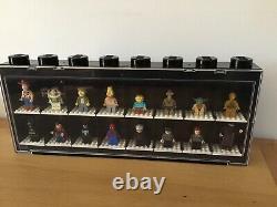 Official Lego Minifigure Display / Storage Case Black for 16 Figures Filled
