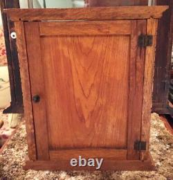SMALL GUM OAK & GLASS STORE DISPLAY CASE POSSIBLY ADAMS PEPSIN GUM With3 SHELVES