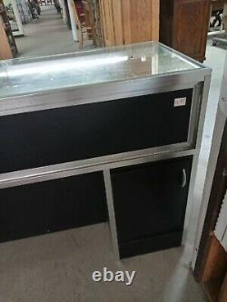 Store Display Jewelry Showcase Lighted and Lockable